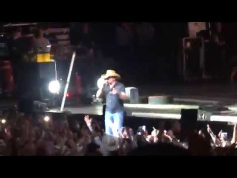 Hicktown - Jason Aldean | Burn It Down Tour 2014 - Tampa