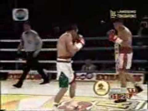 Chris John vs Juan Manuel Marquez