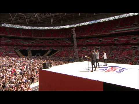 Maroon 5 - Sugar (Cahoots LIVE at Wembley Stadium) #TakeTheStage