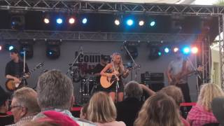 Christie Lamb - Broadbeach Country Music Festival