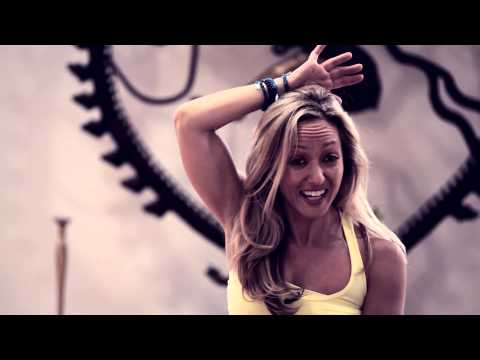 How to do Headstand, Sirsasana with Kino Yoga
