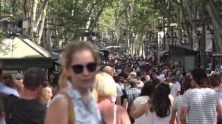 C0071 pedestrians and people walking