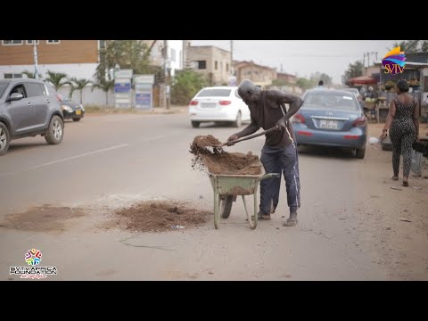Meet The 63 Year Old Man Who Fills Pot Holes; Says Government Can't Do It All