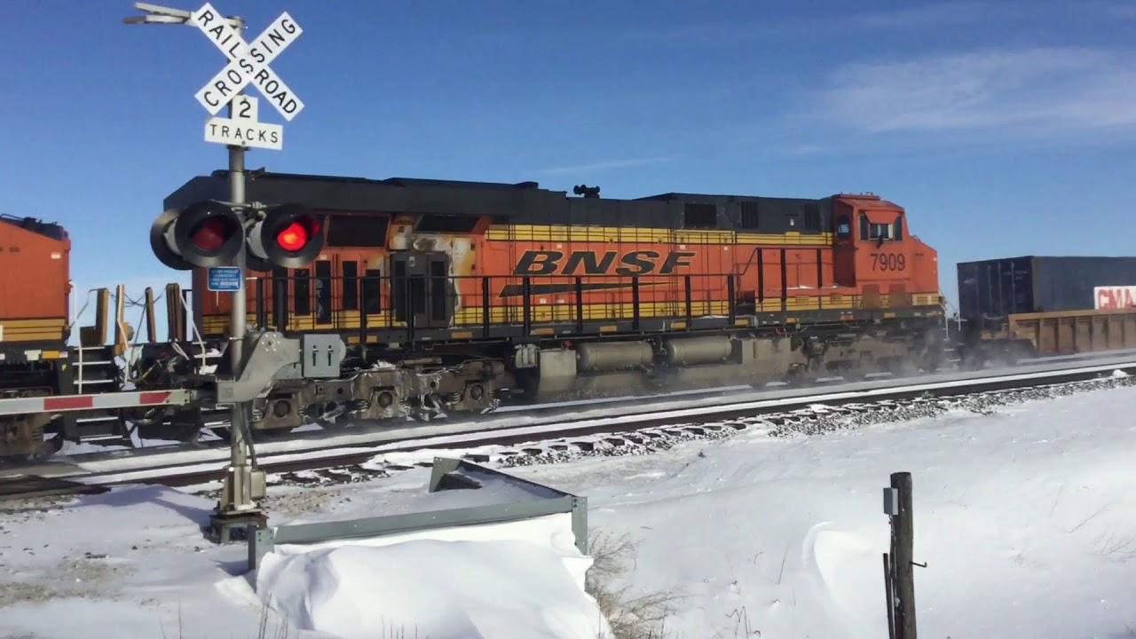 A brutally cold and windy day on the BNSF Chillicothe sub near Toluca, IL 01/20/19
