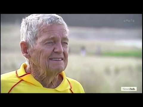 Meet Bill Goodwin, New Zealand's Oldest Surf Lifesaver | Newshub