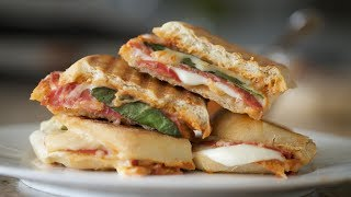 """Grilled Cheese """"Pizza"""" 