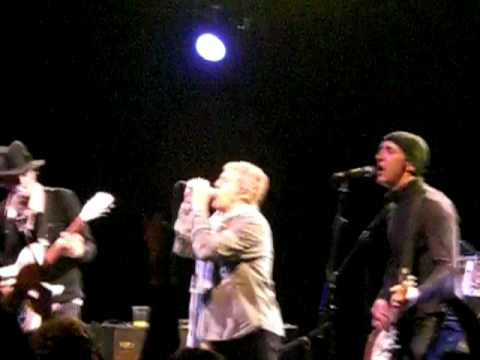 Pete Doherty & Babyshambles with Roger Daltrey from The Who - My Generation (Live @ Bristol)