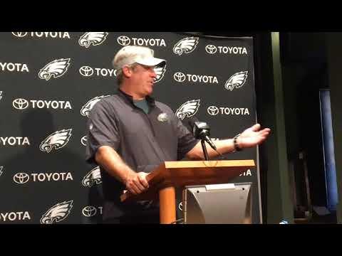 How Philadelphia Eagles might split reps between Carson Wentz, Nick Foles in training camp