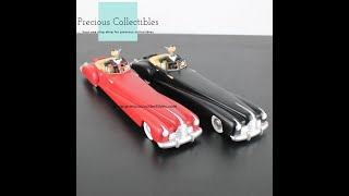 Wolf ''in red and in black limousines'' statues
