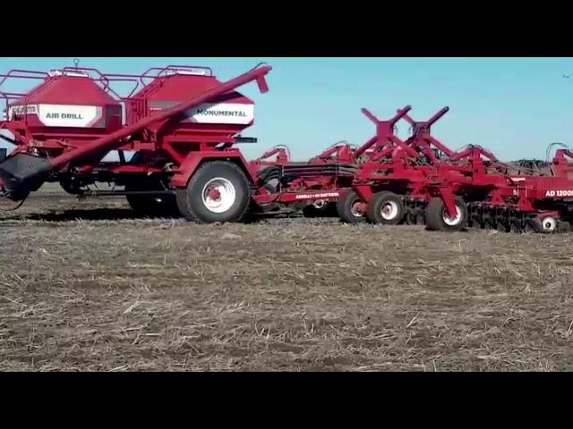 Sembradora Monumental 12000, 65 lineas a 17,50 cm con fertilizacion y kit para granos gruesos