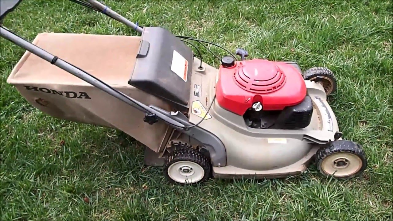 Honda Hrm215 Sx Harmony Free Lawn Mower Start Up March 19 2016