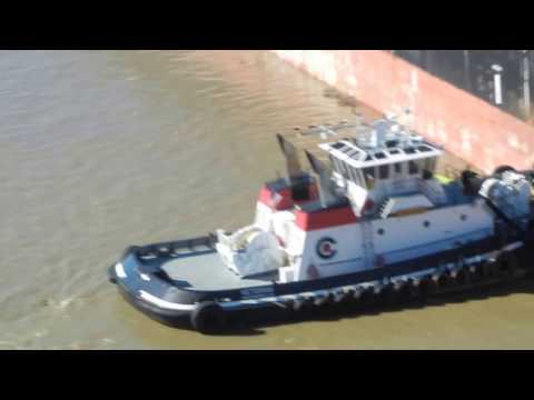 Nectar Sea getting help from tugs, Veteran and Valor