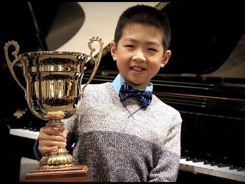 J. S. Bach Little Prelude in C minor BWV 999 -  Piano Class: Nick Sergienko