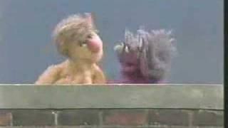 Classic Sesame Street - Scratch My Back
