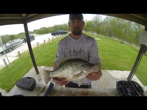 Chasing Giant Slabs On Redrock Lake In Iowa! Monster Crappies!