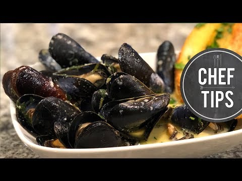 Classic French Mussels Recipe - Moules Marinière With White Wine & Garlic Butter Sauce