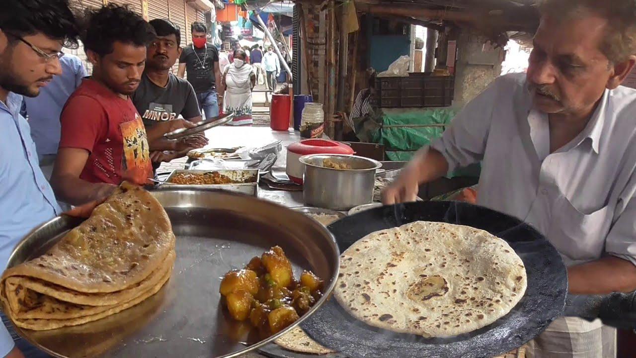 Indian People Love It   Alu Ka Paratha 10 Rs Each   Tasty Kolkata Street Food
