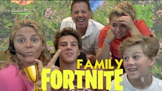 IT'S THE FAMILY FORTNITE CHALLENGE *teaching mom and dad how to play fortnite*