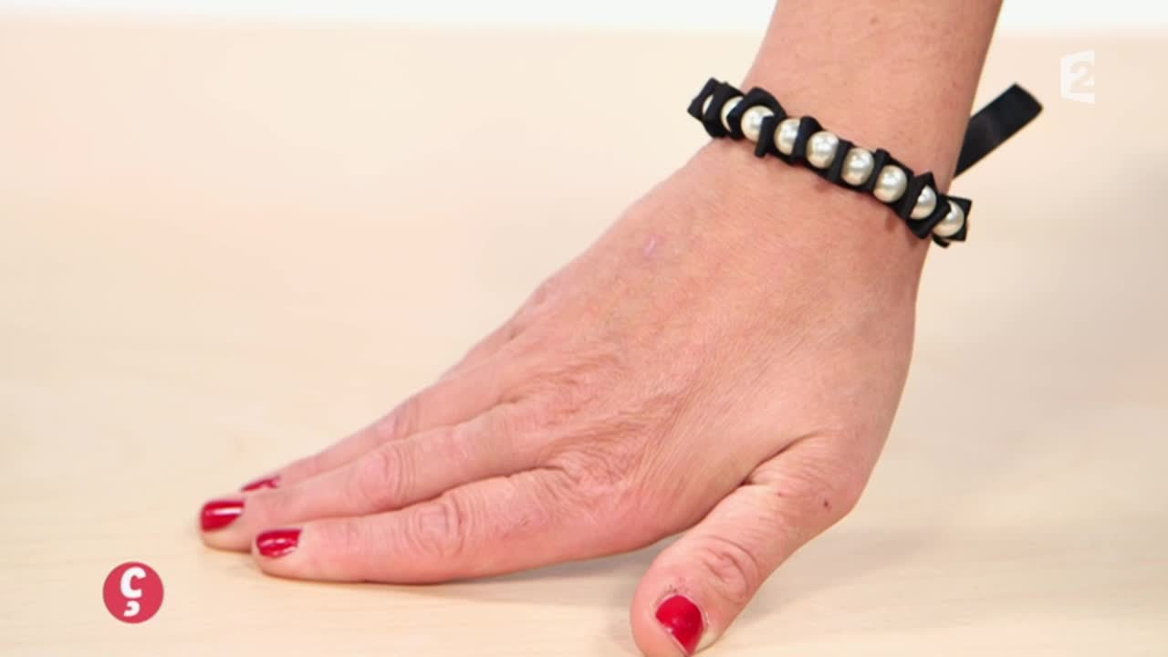 diy cr er son bracelet en perle ccvb youtube. Black Bedroom Furniture Sets. Home Design Ideas