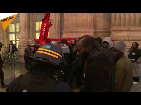 Des manifestants réclament «Justice pour Massar» à Paris