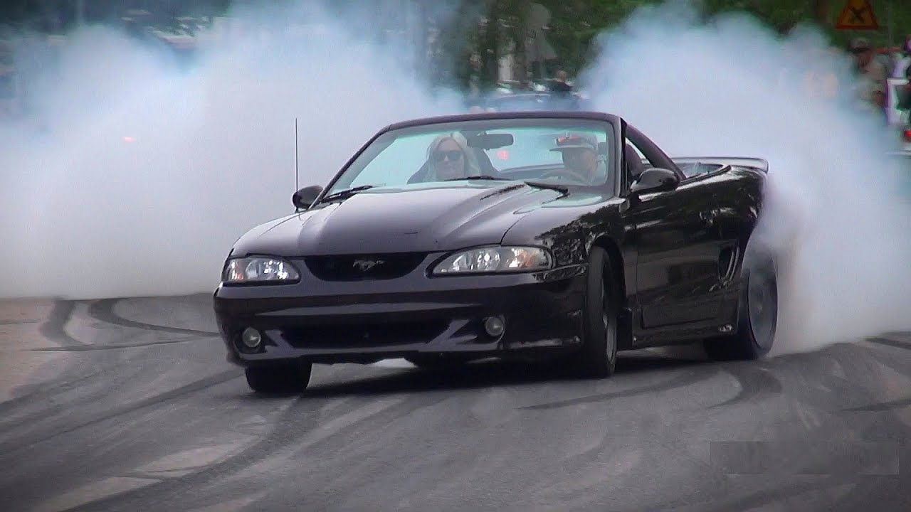 The Ultimate Muscle Car Burnouts Compilation 2018 Youtube