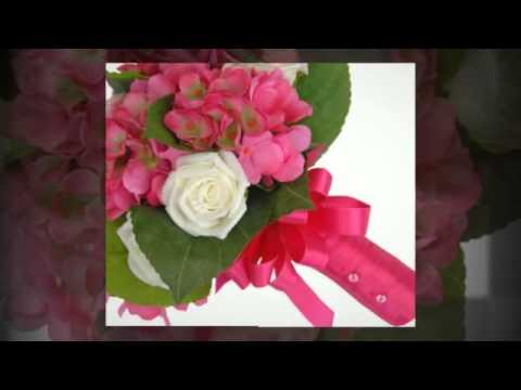 pink-hydrangea-&-ivory-rose-bridesmaids-wedding-posy-bouquet