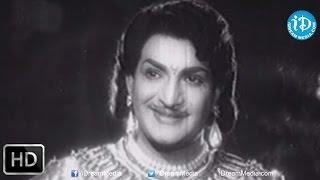 Bhuvana Sundari Katha Movie - NTR, Krishna Kumari Nice Love Scene
