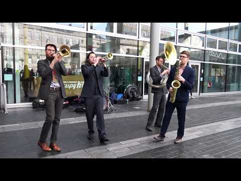 brass-gumbo-from-edinburgh-live-in-union-square-during-the-aberdeen-jazz-festival-2018