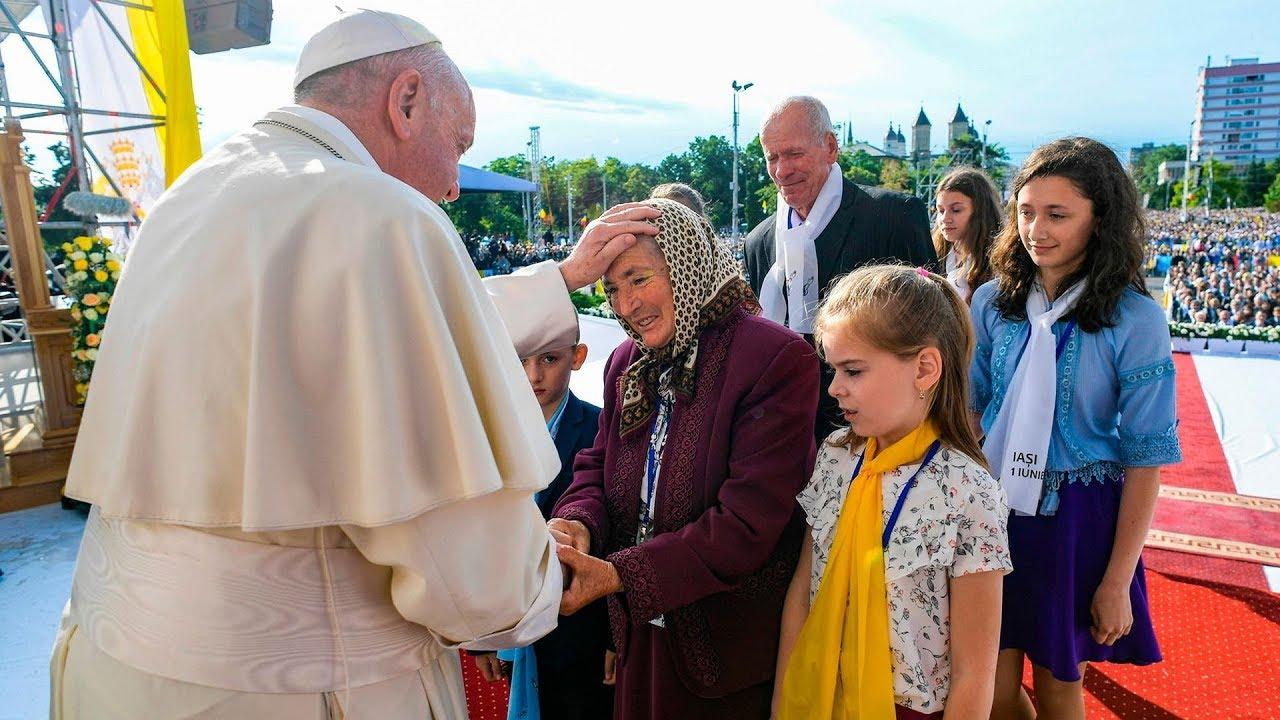 Những lời khuyên quý giá của Đức Thánh Cha dành cho các gia đình Công Giáo tại Iasi