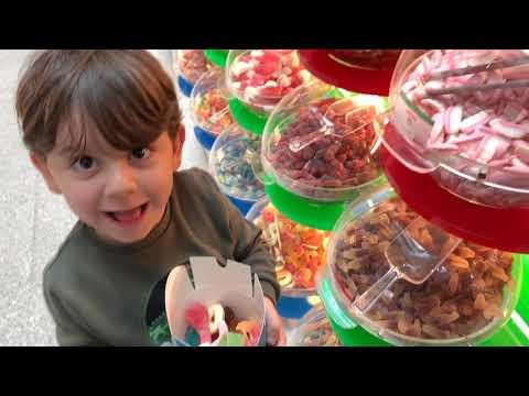 Yusuf Ve Fatih Selim Haribo Mağazasındaki Bütün şekerlerden Kutuya Doldurdular Oyuncaklı şekerler🍭