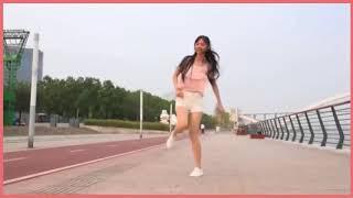 Cô gái xinh đẹp nhảy shuffle dance cực quyến rũ