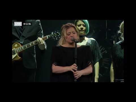 "Mix Morning Show! - Kelly Clarkson Covers Lady Gaga's ""Shallow"""