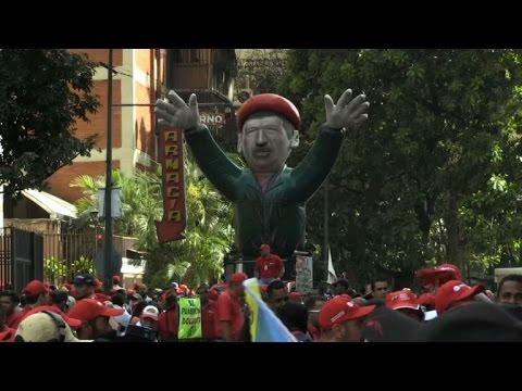 Venezuela: partisans et opposants de Maduro manifestent