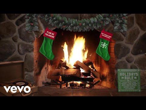 Flor De Toloache - That's What I Want For Christmas (Yule Log Audio)