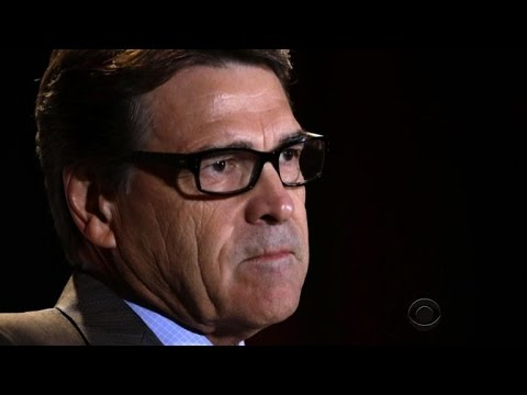 Rick Perry turns himself in to face abuse of power charges