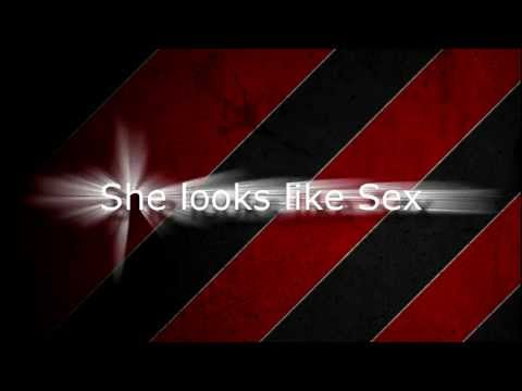 Yourfavoritemartian ft. Mike Posner - She Looks Like Sex - Lyrics (Special Effects!)