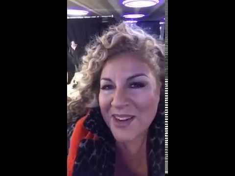 Marianne James s'est transformée en Kamel Le Magicien