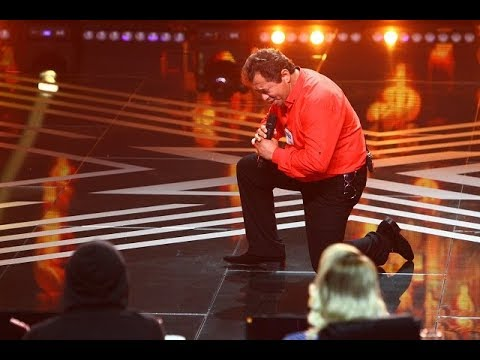 """Elvis Presley - """"You Gave Me a Mountain"""". Vezi aici cum cântă Romulus Țîrdea pe scena X Factor"""