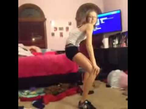 White Girl Twerking On Vine