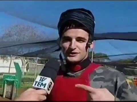 FalleN was challenged to a paintball match on a brazilian TV show back in 2010 [english CC]
