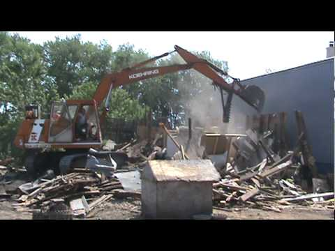 Tourniers Recycling Barn Demo Part 2.mpg