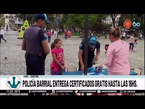 policial-barrial-entrega-certificados-gratis