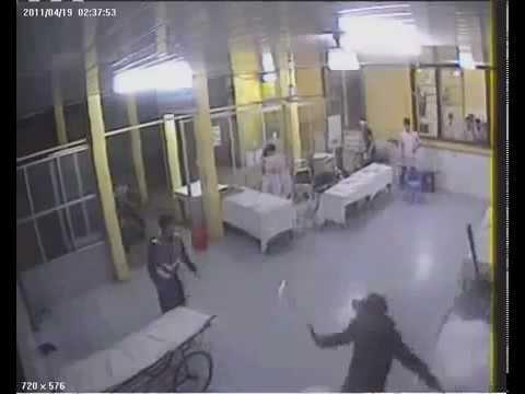 Video Chém Nhau Bằng Mã Tấu thảm khốc tại Bệnh Viện Việt Tiệp,Hải Phòng