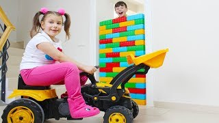 ALİ EVDE DUVAR YAPTI - Color Brick Block Wall Toys Funny Kid Video
