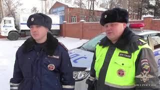 В Иркутске сотрудники ГИБДД помогли женщине, которой стало плохо в дороге