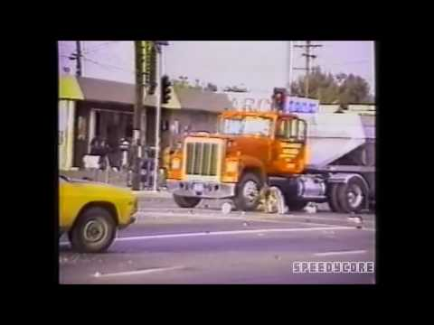 White truck driver brutally atacked by blacks (L.A. Four)