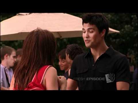 Brooke/Felix - OTH (2x04) LOL