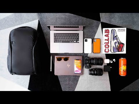 What's In My TECH TRAVEL BAG? 2020 Edition!