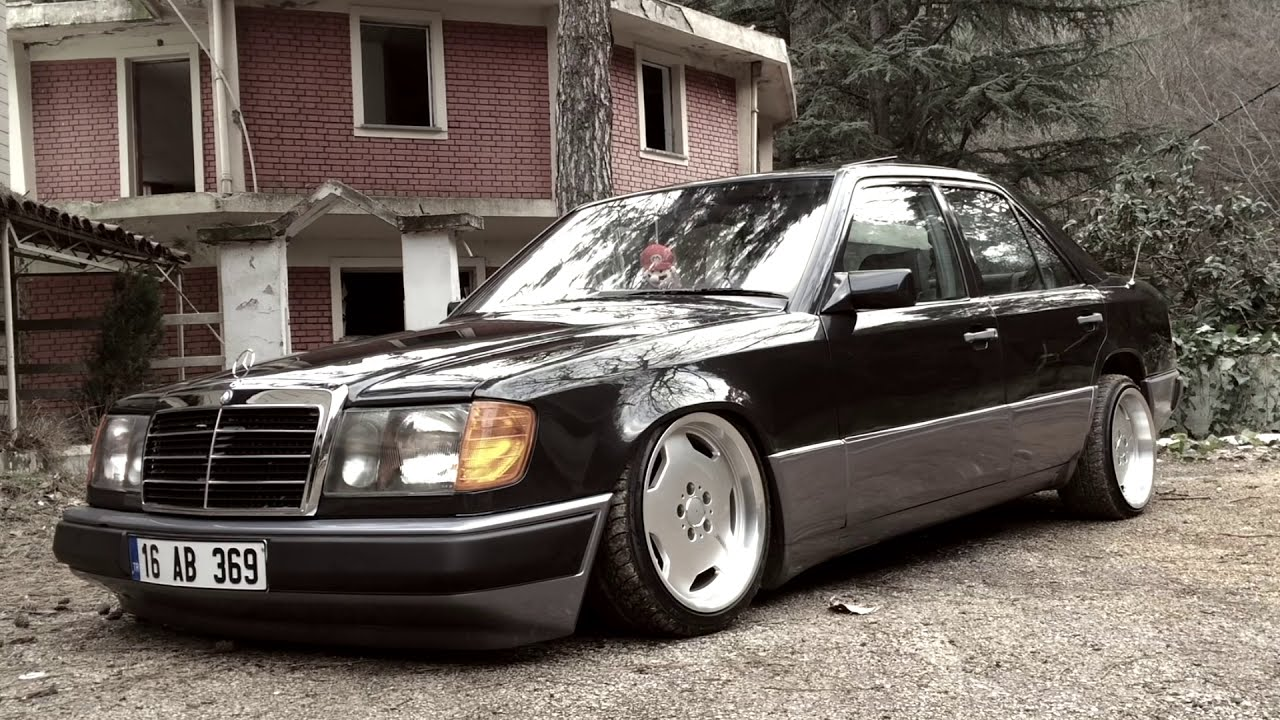 8a9a25d28884df7b6f13f21ac3265f23 additionally Mercedes Benz 220 besides Watch as well 2016 Merecdes Benz C Class Coupe Review First Drive Video 41218 also Mercedes Benz 230e Limousine W123. on benz w123