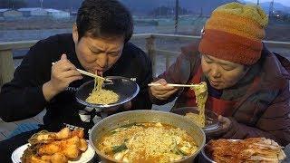 대파 송송 계란 탁~ [[참깨라면(sesame instant noodles)]] 먹방!! - Mukbang eating show